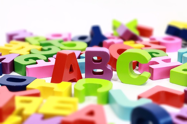 アルファベット(カラフルなブロック)