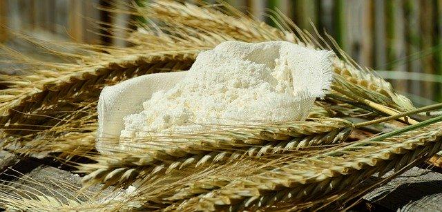 小麦粉(粉と小麦)
